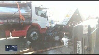 Acidente deixa dois mortos na rodovia Fernão Dias - Acidente deixa dois mortos na rodovia Fernão Dias