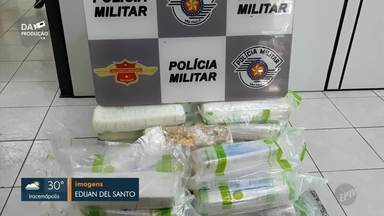 Dois homens são presos por tráfico de drogas e porte ilegal de arma de fogo em Piracicaba - Suspeitos transportavam cocaína e munições de fuzil quando foram abordados pela Polícia Federal em rodovia que liga Saltinho e Tietê.