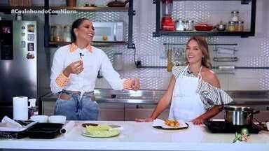 Taís Lopes no quadro 'Cozinhando com Niara' - Jornalista Taís Lopes preparou uma deliciosa receita de Dadinho de Tapioca