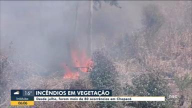 Desde julho, Chapecó registra mais de 80 ocorrências de incêndios - Desde julho, Chapecó registra mais de 80 ocorrências de incêndios