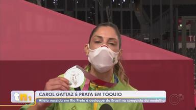 Carol Gattaz, da seleção de vôlei nas Olimpíadas, é eleita a melhor central do campeonato - Carol Gattaz, de São José do Rio Preto (SP), atleta da seleção feminina de vôlei nos Jogos Olímpicos, foi eleita a melhor central do campeonato. A atleta falou sobre a conquista após a partida contra os Estados Unidos.