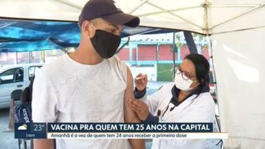 Capital imuniza pessoas de 25 anos ou mais nesta segunda-feira (9) - Calendário já divulgado pela Prefeitura de São Paulo contempla a vacinação das faixas etárias de 24 a 21 anos ainda nesta semana.