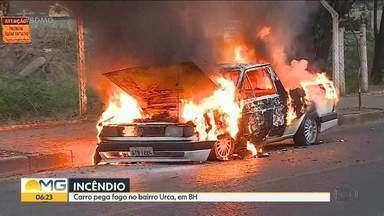 Carro pega fogo no bairro Urca, em Belo Horizonte - Motorista não se feriu.