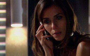 Duda atende o telefone de Raj - Opash liga para Raj e Duda atende o celular se identificando como namorada de Raj. Opash se desespera e Indira desmaia após saber da notícia