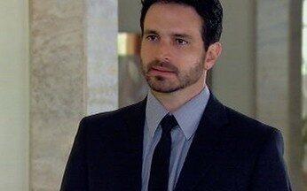 Murilo é demitido - Murilo vai visitar Raul e, sem entender, é expulso do quarto e demitido da empresa