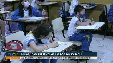 Foz do Iguaçu libera aulas 100% presenciais a partir desta segunda (13) - Instituições não precisam mais oferecer ensino remoto.