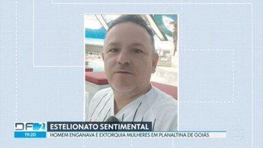Homem é preso acusado de enganar e extorquir mulheres em Planaltina de Goiás - Segundo a polícia, o homem de 51 anos fingia ser advogado para se aproximar das vítimas e começar um relacionamento amoroso.