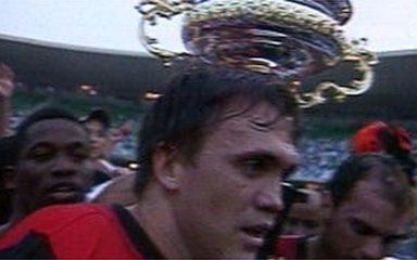 Em 2001, Flamengo vence o Vasco por 3 a 1 e é campeão carioca