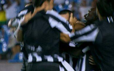 Os gols de Flamengo 1 x 2 Botafogo pela semifinal da Taça Guanabara 2010