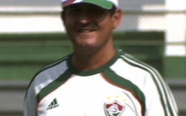 Torcida do Fluminense lota treino e comemora a permanência de Muricy Ramalho no clube