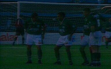 Em 1998, o Palmeiras goleia o Bragantino por 4 a 0 pelo Campeonato Brasileiro