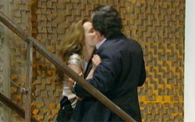 Passione: reveja o beijo de Totó e Clara