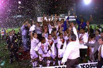 Em 2000, Vasco vence Palmeiras por 4 a 3 e é campeão da Copa Mercosul