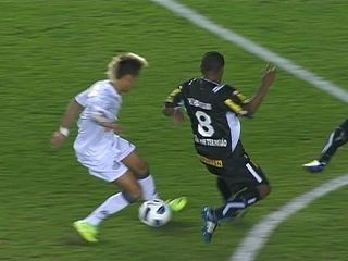 Neymar faz golaço, e Santos derrota Botafogo por 2 a 0 pelo Brasileirão