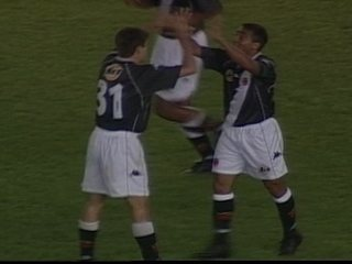 Em 2000, Vasco vence River Plate por 4 a 1 pela Copa Mercosul