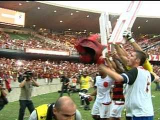 Em 2009, Flamengo vence o Grêmio por 2 a 1 e conquista o Campeonato Brasileiro