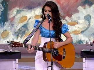 Paula Fernandes canta Raul Seixas