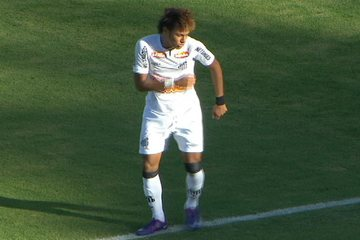 Neymar marca, festeja o gol com dança, mas Palmeiras vira o jogo e vence por 2 a 1