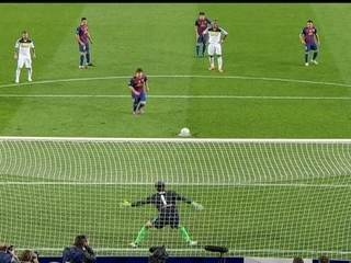 Liga dos Campeões 2011/12: Messi cobra pênalti e acerta o travessão contra o Chelsea