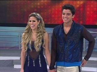 Rodrigo Simas estreia no 'Dança' ao lado de Raquel Guarini