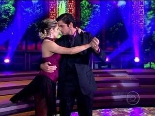 Rodrigo Simas faz linda apresentação de tango