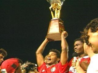 Inter vence o Fluminense por 1 a 0 no Beira-Rio e é campeão da Copa do Brasil em 1992