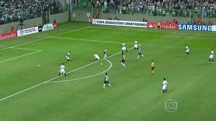 Atlético-MG vence São Paulo de goleada, no Estádio Independência, em Belo Horizonte