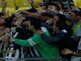 Gol do Botafogo! Hyuri, de novo ele, marca belíssimo gol aos 4 do 2º tempo