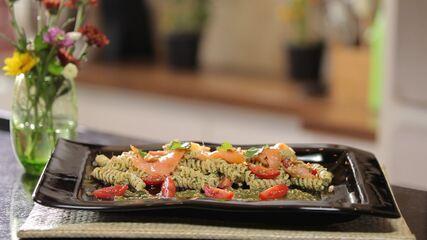 Salada de Fusilli ao Pesto de Hortelã