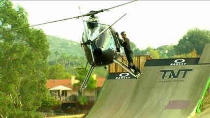 Bob Burnquist salta de Helicóptero para MegaRampa
