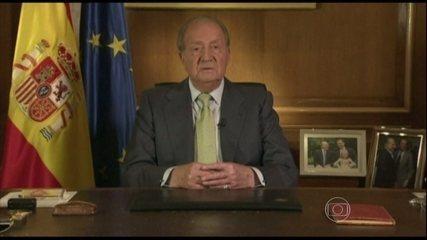 Rei da Espanha abdica ao trono