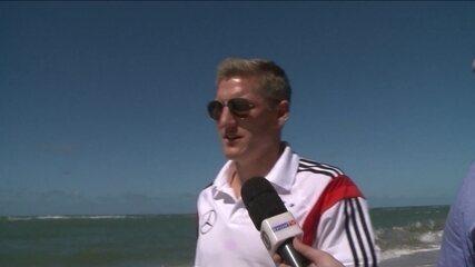 Schweinsteiger fala sobre lesão de Marco Reus e vídeo cantando o hino do Bahia