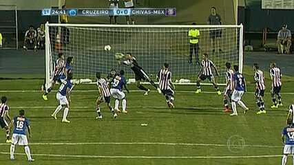 Relembre o gol do meio de campo de Ricardo Goulart em amistoso nos Estados Unidos