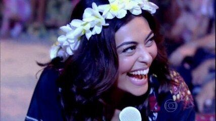 Juliana Paes revê vídeo antigo dançando funk com Os Hawaianos