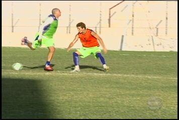 Contra o Treze, Salgueiro conta com velocidade e gols de Anderson Paraíba