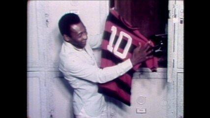 Em 1979, Zico cede a camisa 10 do Flamengo para Pelé, e time goleia Atlético-MG