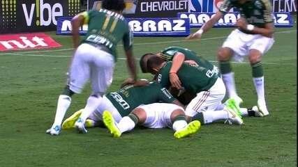 Os gols de Palmeiras 3 x 0 São Paulo pela 12ª rodada do Paulistão 2015
