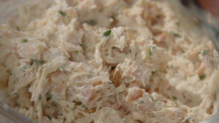 Receita de pasta de frango defumado com maionese de wasabi