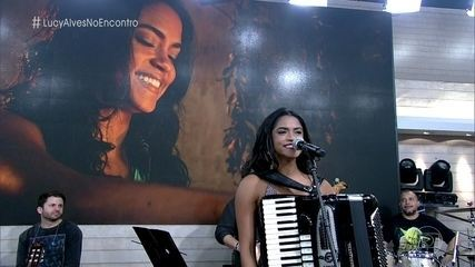 Lucy Alves defende a luta de Luzia pela família em 'Velho Chico'