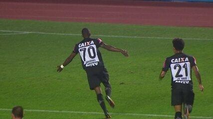 Maicosuel fez gol contra o São Paulo, no Morumbi, em 2016