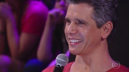 Marcio Garcia ganha surpresa da família