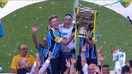 Grêmio bate o Atlético-MG e se torna pentacampeão da Copa do Brasil