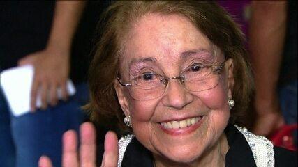 Corpo da atriz Vida Alves, uma das pioneiras da televisão brasileira, é velado em SP