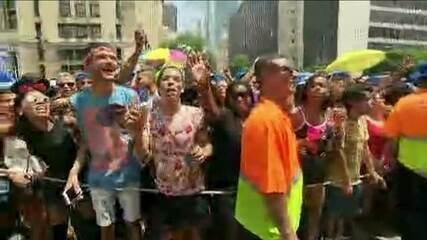 Bloco da Anitta tem principio de tumulto no Rio