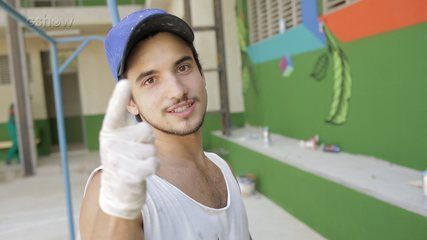 Gabriel Calamari faz oficina de grafite na cidade de Malhação - Viva a Diferença