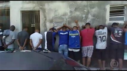 Polícia prende 30 pessoas que estavam numa feira negociando carga roubada