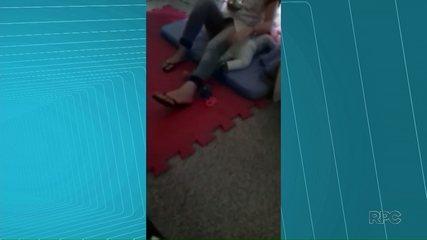 Ex-estagiária de creche é presa após ter sido flagrada agredindo bebê em Salto do Lontra