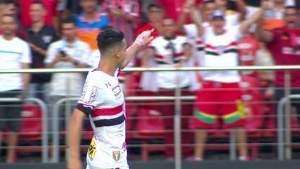 Gol do São Paulo! Thomaz recebe e não perdoa, aos 33' do 2º tempo