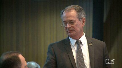 Deputado Estadual Levi Pontes (PCdoB) pede cota de peixe para doar à eleitores