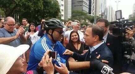 Cicloativista conversa com o prefeito João Doria e pede ciclovias na periferia de SP